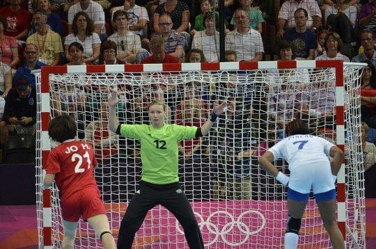 Amandine Leyneaud spiller for Frankrig til Håndbold VM for kvinder